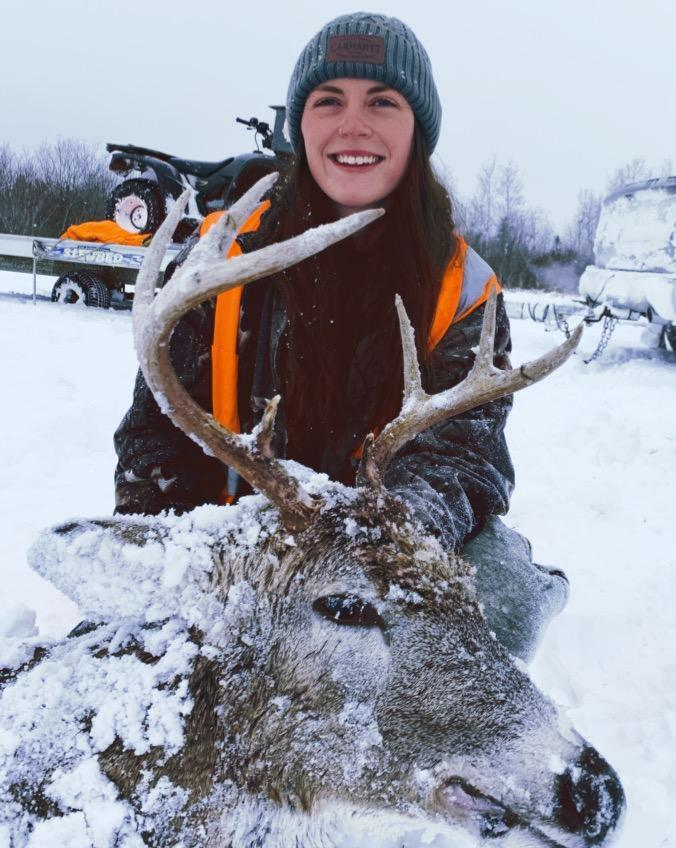 Rainy River Outfitters Guided Deer Hunting Successful Hunter